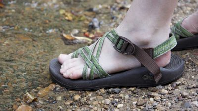 8+ vegan walking sandals perfect for summer hiking trips
