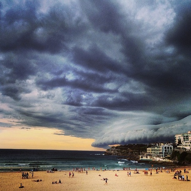 This photo was one of many taken during a storm that rolled in over Sydney in March 2014. Photo via Instagram, bambilegit.