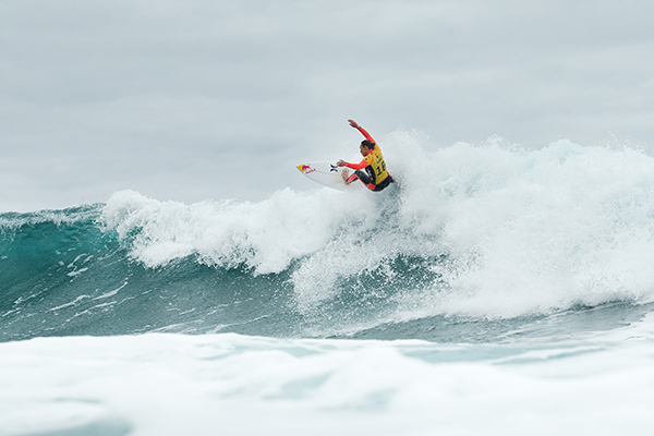 Carissa Moore defeated Stephanie Gilmore in the Final of the Rip Curl Women's Pro Bells Beach. Image: WSL / Kelly Cestari