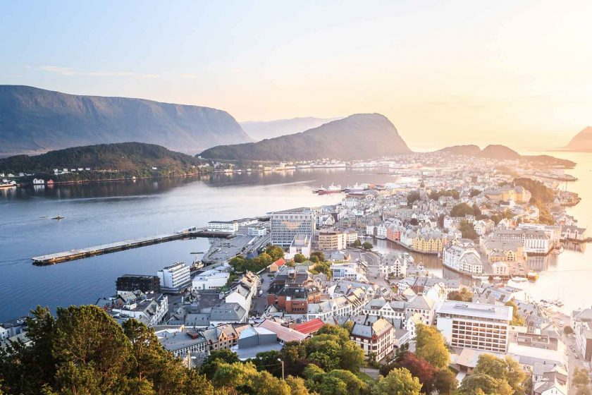 Ålesund is a beautiful space and the outdoor capital of Norway. Photo: Andrés Nieto Porras (Flickr)