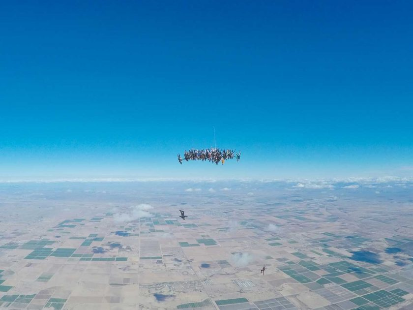 Formation Skydiving during the filming of the Women's Skydive World Record in Eloy, AZ, USA. Photo: Alexandre Aimard / Red Bull Content Pool
