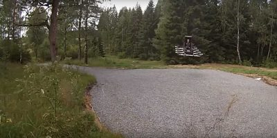 Video: DIY junkie builds himself a manned multicopter out of drones