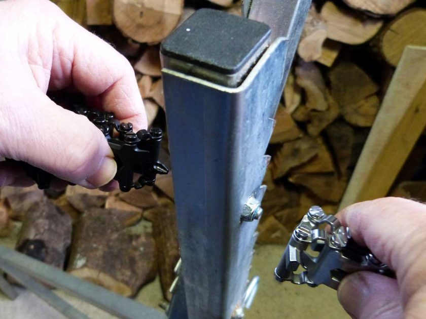 The ability to remove links, means that you can use a hex or screwdriver link along with a box wrench link, together, to undo and fasten bolts without requiring an additional tool.
