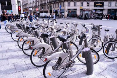 French government to pay €200 to any citizen who buys an electric bike
