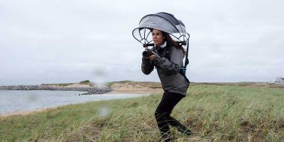 Hands-free 'Nubrella' keeps you dry while photographing in the rain