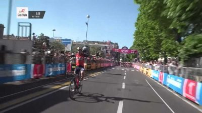 Giro d'Italia cyclist thinks he's won stage and starts celebrating with one lap to go
