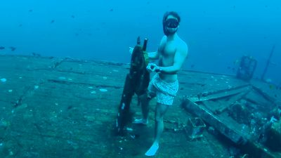 Free-diver explores incredible shipwreck 35 metres deep on one breath
