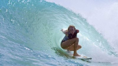Bethany Hamilton surfs Kelly Slater's wave pool [Video]
